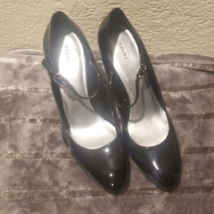 Fioni black patent leather shoes with strap